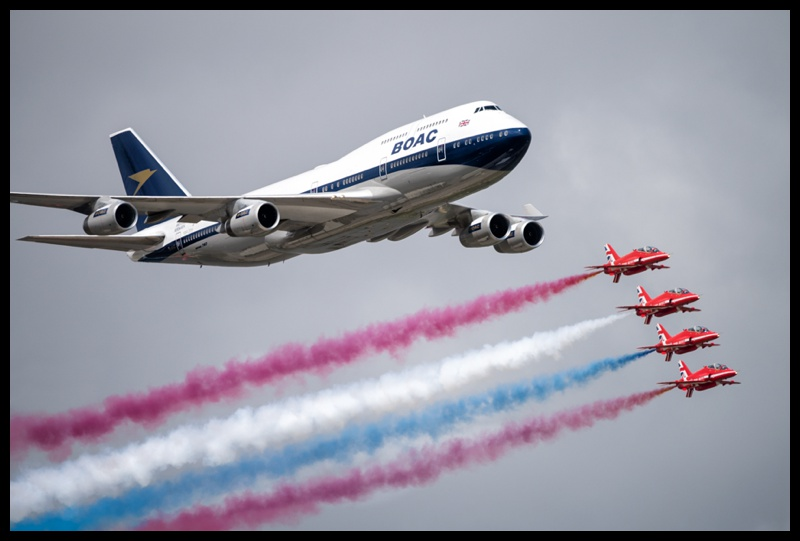 boac 747 and red arrows